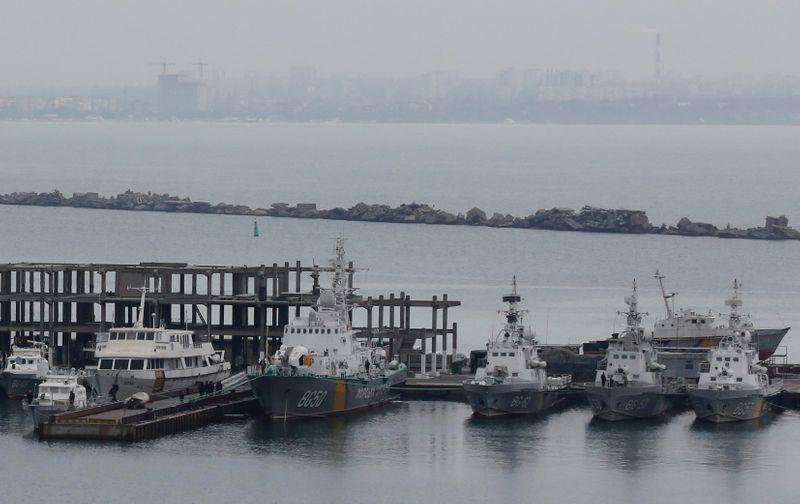 Черноморские порты Украины ограничили операции из-за военных учений