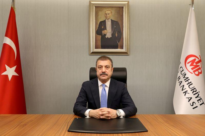 ОПРОС РЕЙТЕР-ЦБ Турции сохранит ставки по итогам первого заседания после смены главы