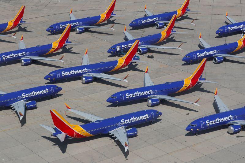 Авиакомпании приостановили полеты десятков Boeing 737 MAX из-за технических проблем