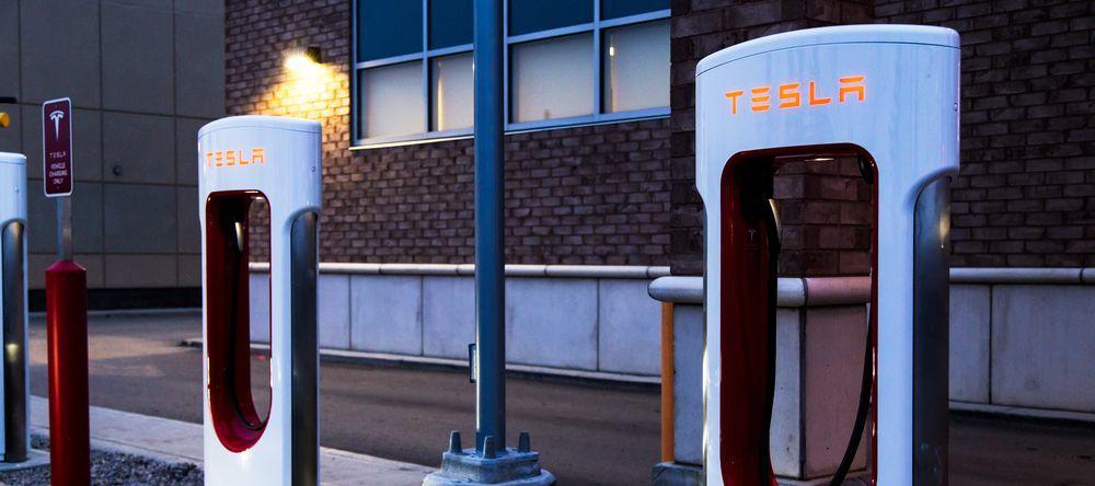 Акции Tesla выросли на 8%. Что произошло