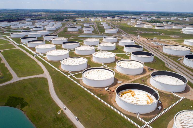 Нефть активно дорожает после данных о запасах в США