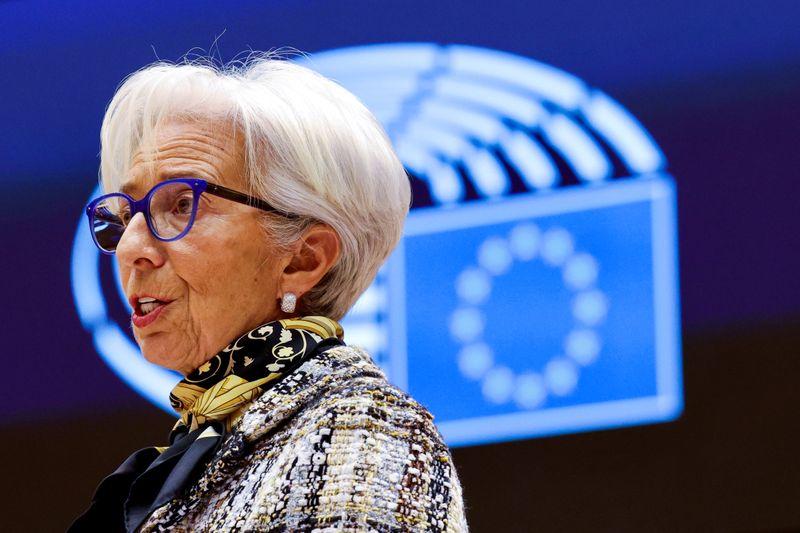 Экономика еврозоны все еще