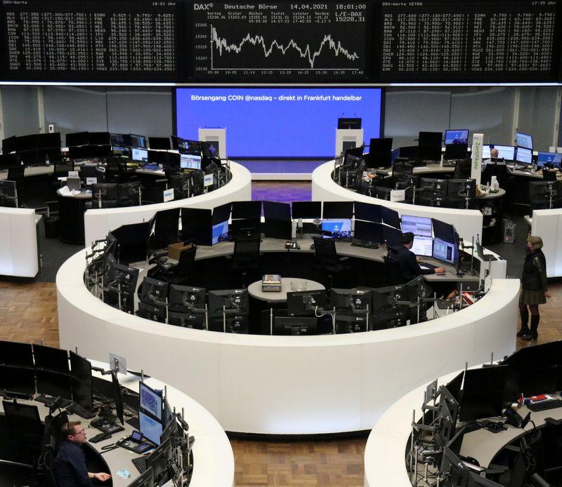 Европейские акции обновили рекорд благодаря сильным отчетам компаний, ралли металлов