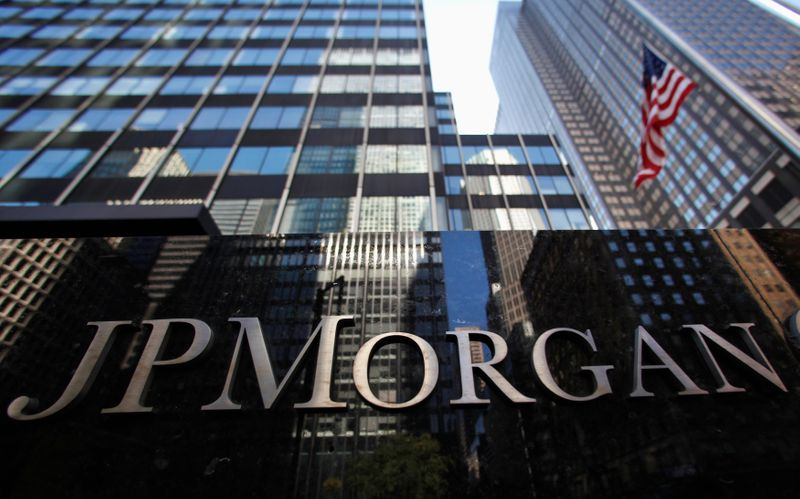 Российские ОФЗ, попавшие под санкции США, могут быть исключены из ключевых индексов -- JPMorgan