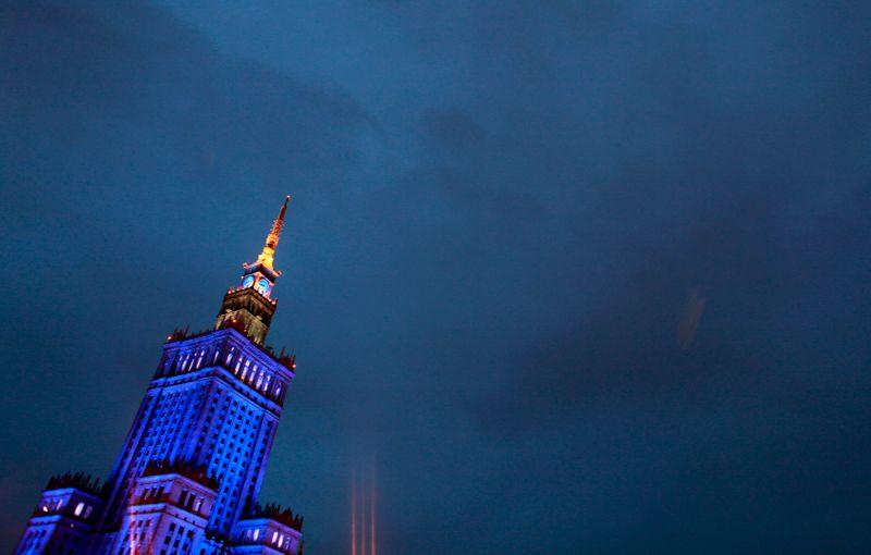Польша признала трех сотрудников посольства РФ персонами нон грата
