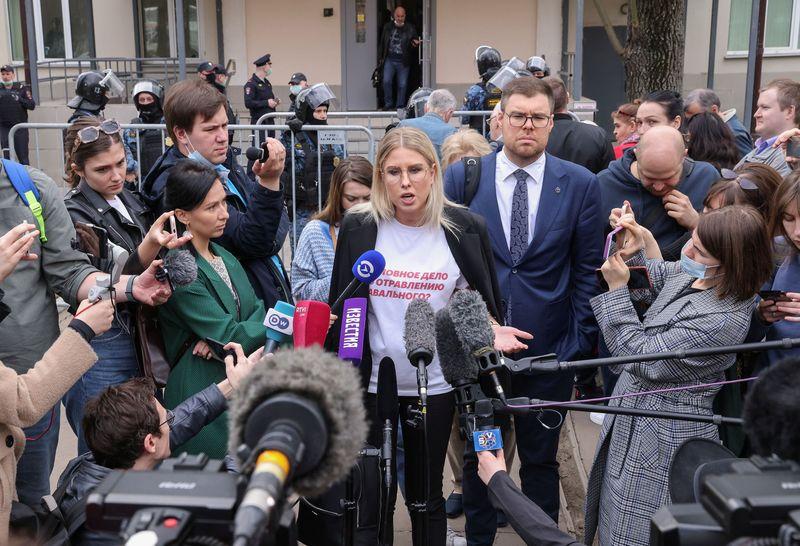 Соболь: Нет надежды, что получим хорошие новости о состоянии здоровья Навального сегодня