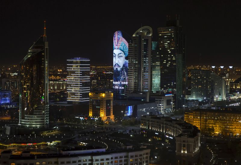 Казахстан хочет увеличить целевой трансфер из Нацфонда в 21г на $2 млрд