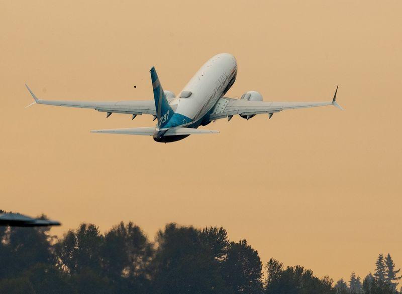 США предупредили об опасности авиарейсов вблизи границы Украины и РФ