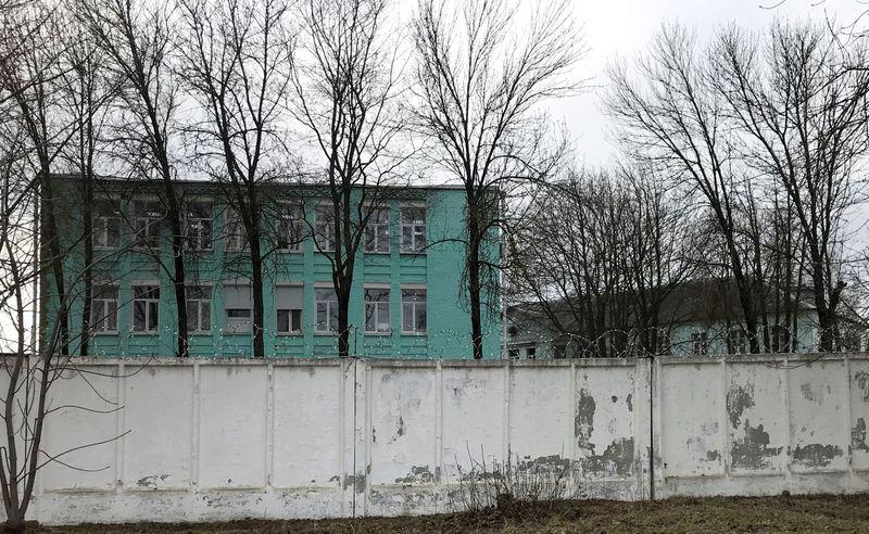 Навальный находится в одиночке туберкулезной больницы в колонии, ему прокапали глюкозу -- адвокат