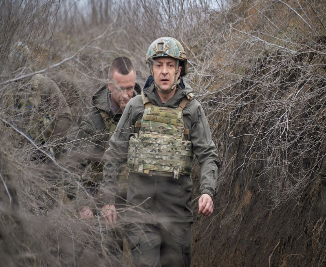 Зеленский предложил Путину встретиться на востоке Украины