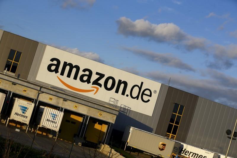 Amazon внедряет систему платежей на основе сканирования ладони