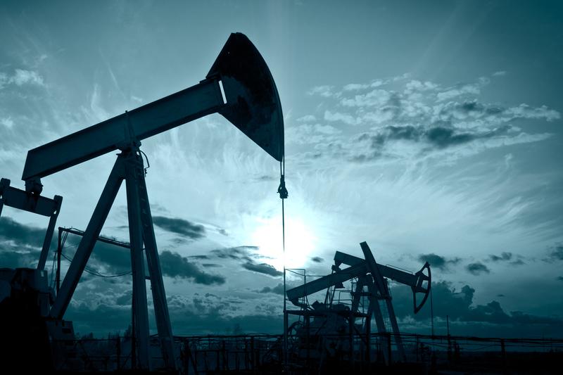 Цены на нефть растут из-за медленного возобновления добычи после урагана