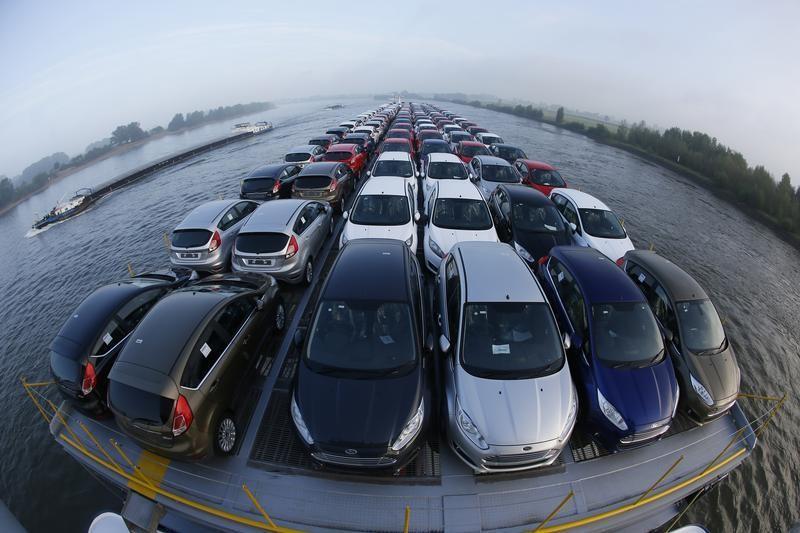 Продажи автомобилей в Китае в августе снизились по итогам четвертого месяца подряд