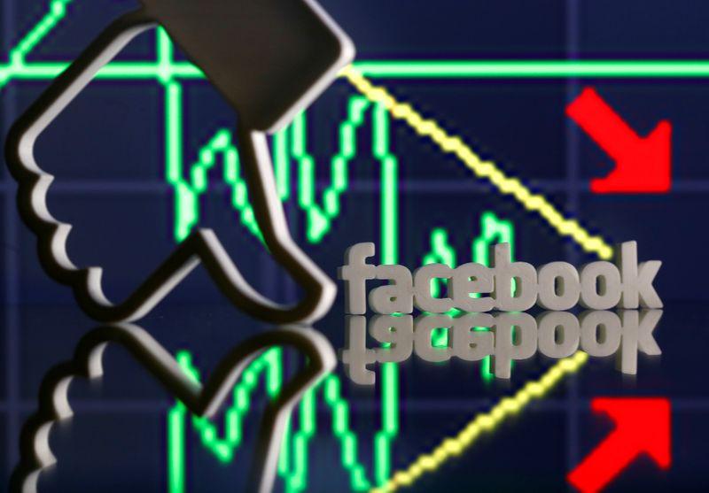 Власти РФ хотят оштрафовать Facebook на 5-10% годовой выручки в России -- Ведомости
