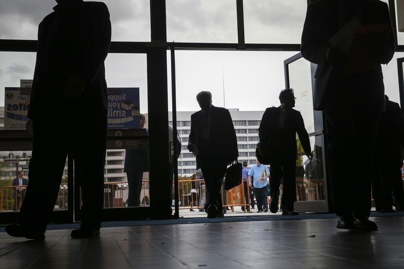 Остатки средств кредитных организаций в Банке России снизились до 2747,9 млрд руб., на депозитных счетах выросли до 1415,37 млрд руб.