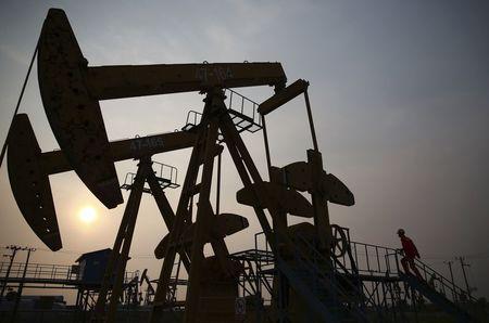 Цена нефти Brent поднялась выше $66 впервые с января прошлого года