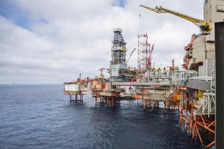 Стоимость нефти Brent превысила $66 за баррель