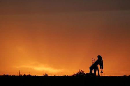 Цены на нефть ушли в минус после утреннего роста