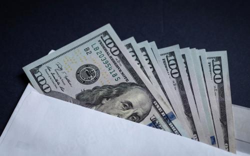 В Белоруссии заявили о планах наказывать получателей зарплат «в конверте»