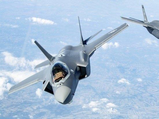 Авиаксперт раскритиковал американский F-35 в сравнении с Су-57