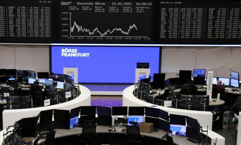 Европейские акции растут, Danone и Roche в лидерах