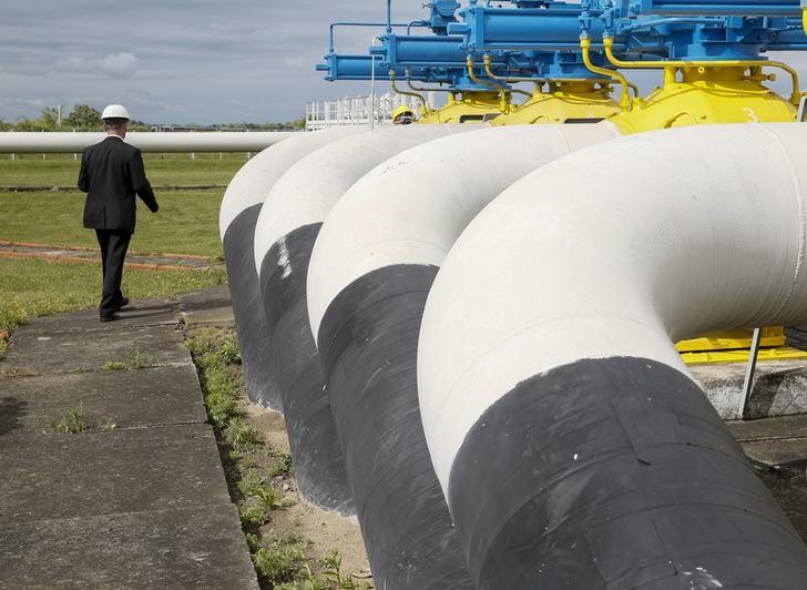 Газпром забронировал на апрель допмощности для транзита через Украину в 14,2 млн куб м/cут