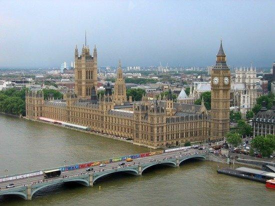 Британия официально признала Россию главным врагом