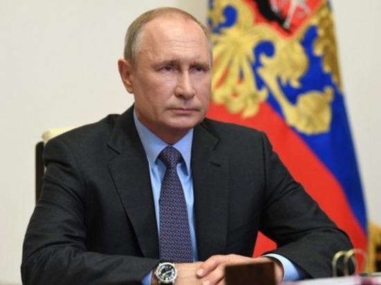 Путин поручил спасти россиян с минимальным доходом от долгов