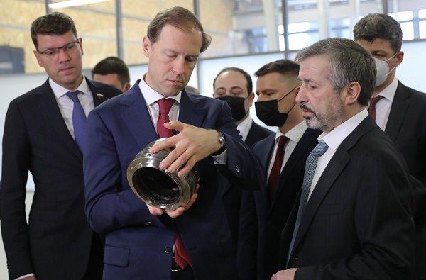 Денис Мантуров посетили высокотехнологичные производства «РОТЕК» в Химках