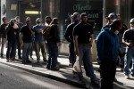 ПРОГНОЗ-В США ожидается уверенный рост занятости в марте, но дефицит рабочих мест еще велик