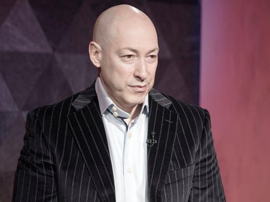 Гордон назвал замысел Москвы в переброске войск к границам Украины