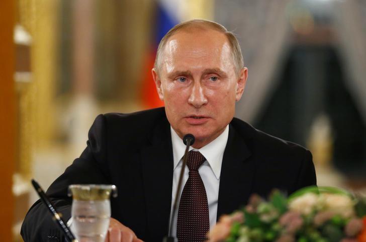 Путин поручил ФАС разобраться с ценами на жилье