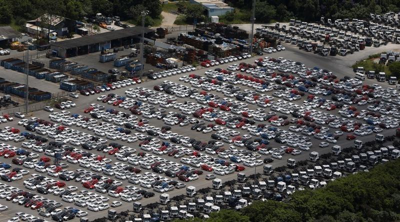 Продажи автомобилей в Китае в 1-м квартале выросли на 69%