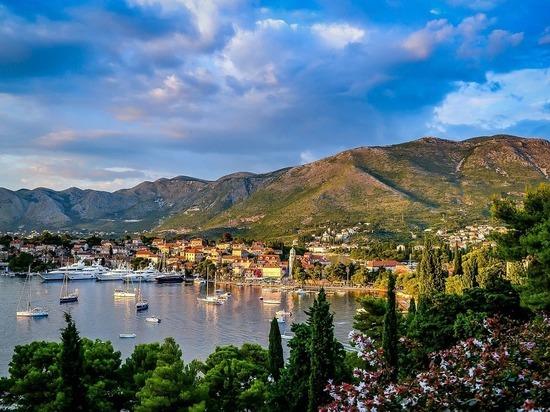 В Черногории объявили 30% скидки на жилье для туристов