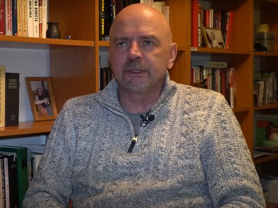 Польский политолог назвал два сценария войны в Донбассе