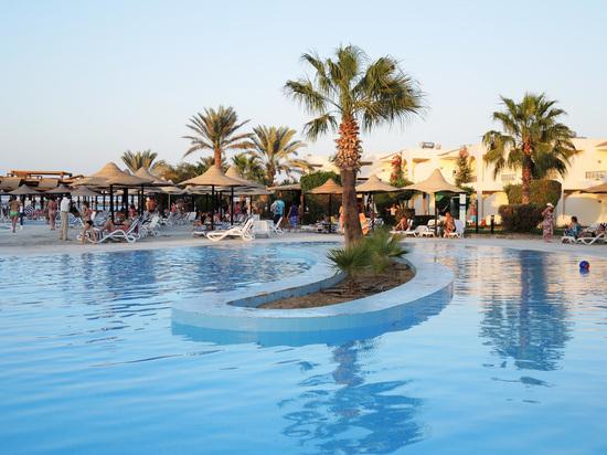 Лавров намекнул на скорое открытие рейсов на курорты Египта