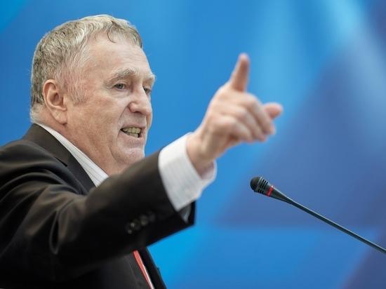 Жириновский назвал способ заставить Украину подавать воду в Крым