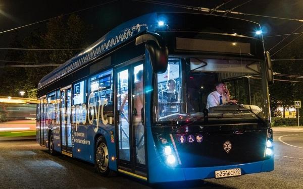 Через два года количество электробусов в Москве превысит 1400