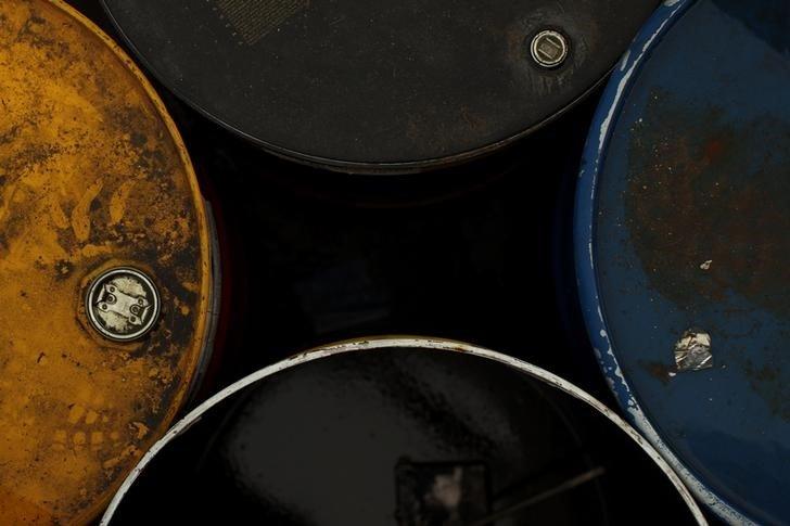 Сбербанк видит спрос на хеджирование цен на нефть