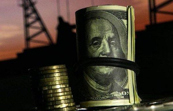 Учитывая масштабы укрепления доллара, падение нефти выглядит вполне скромно