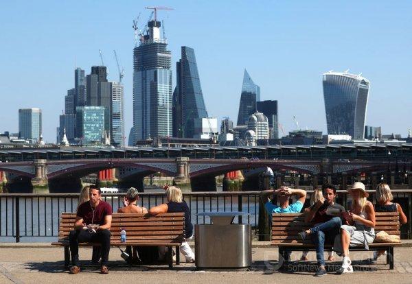 Россия продлила приостановку авиасообщения с Великобританией еще на месяц
