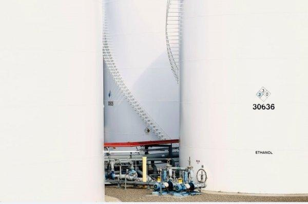 С марта экспортная пошлина на нефть повысится до $49,6 за тонну